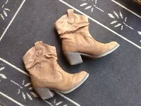 Super cute cowgirl booties
