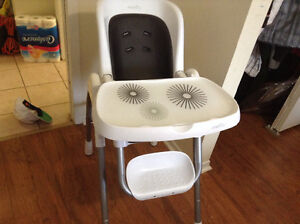 Evenflo modern high chair 300