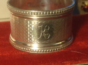 ANTIQUE ENGLAND STERLING SILVER MONOGRAMMED NAPKIN RING