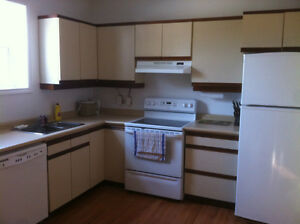 4-8-12 MONTH  LEASES .. ALL INCLUSIVE...DOWNTOWN KITCHENER