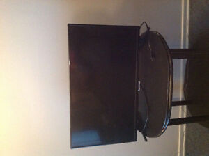 """32"""" RCA lcd led TV. Under a year old***"""