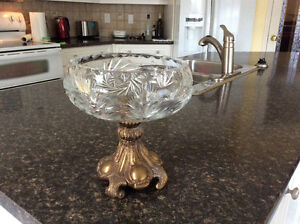Beautiful crystal bowl with heavy copper base