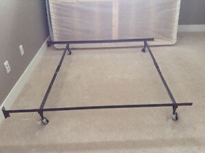 Queen size bed railing