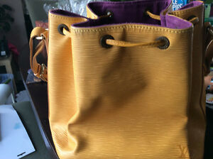 Authentic Louis Vuitton yellow Noe in epi leather