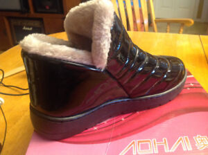 New , never worn,  Lady's Outdoor winter boots