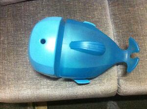 Baleine de rangement pour le bain whale pod
