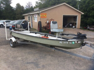 15.5'x4.6' fish and sport Cheenee flat bottom boat,live well,25