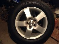 16'toyota Camry alloy wheels and michilin tires