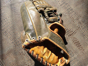 RARE**Beautiful ANTIQUE KIDS LEATHER 3 finger ball gloves mitts Cambridge Kitchener Area image 4