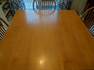 Real Maple Hardwood Table and Chairs for Sale West Island Greater Montréal image 6
