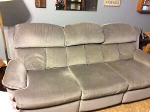 Reclining couch and reclining love seat