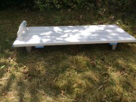 Bath bench