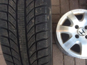 4 Pneu Hiver GTRADIAL 185/65/15 100.$,4 Maggs 15 pouces 80.$