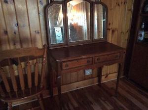 Antique Vanity table, Peterborough Peterborough Area image 1
