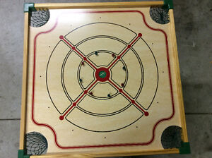Carrom game complete in box vintage piece