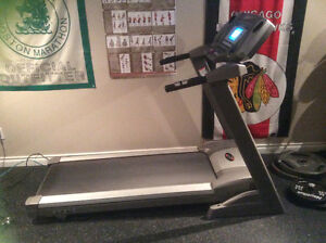 EXCELLENT CONDITION- TREADMILL FOR SALE-PRICE REDUCED