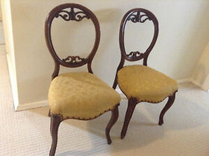 Antique dinning chairs x5