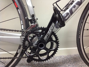 """CERVELO R3 SHIMANO 105--48"""" FRAME--MIGHT AS WELL BE BRAND NEW!"""
