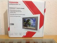 TOSHIBA TEKBRIGHT PHOTO FRAME