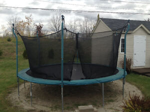 Trampoline 16ft with safety net
