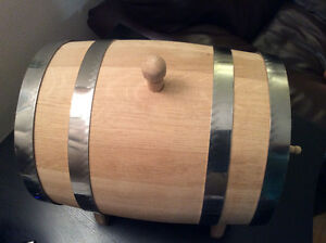 Oak barrels, all sizes are on hands