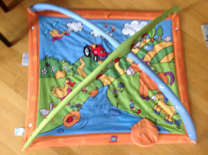 Brand New Condition Tiny Love Play Mat CLEAN with washable toys!