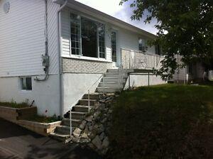 Libre immédiatement urgent !! garage chauffé et piscine Lac-Saint-Jean Saguenay-Lac-Saint-Jean image 2