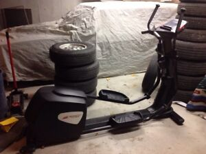 Smooth Fitness Elliptical 8.0 LC