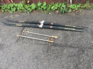 2 Vintage TRAIL TOURING MADE IN FINLAND skis & poles !