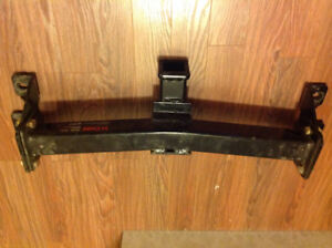 Barely used curt front hitch 99-06 GM 1500.