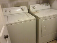 Laveuse et sécheuse/ washer and dryer