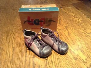 Chaussures bébé taille 23 - Toddler shoes size 7