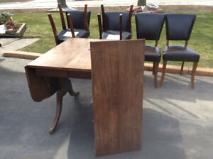 Duncan Phyfe Table and 6 chairs