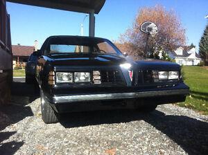 Pontiac Lemans 1981 avec seulement 23000km