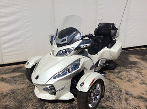 Pristine 2011 Can-Am spyder RT Strathcona County Edmonton Area image 1