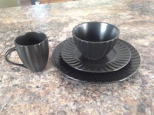 Set de vaisselle 12 couvert