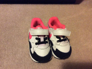 Nike Air Max ST size toddler 4C
