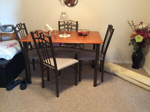 Dining room table and chairs for sale! Good condition!