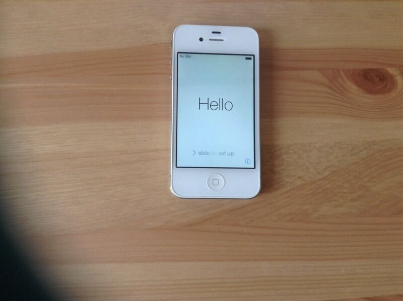 Apple iPhone 5S 16GB in Silverin Olney, BuckinghamshireGumtree - Apple iPhone 5S in silver 16GB. In full working order, used but well looked after. On EE network. Includes the original box, Apple headphones, SIM key, green protective case, and clear screen protector. No charger included
