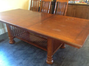 Diningroom table and 10 Chairs Cambridge Kitchener Area image 2