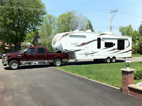 LAREDO FIFTH WHEEL 295RK (2012) *PRICE REDUCED* - Fully loaded!