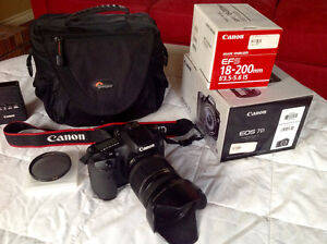 Like new Canon EOS 7D w/ 18-200 is lens