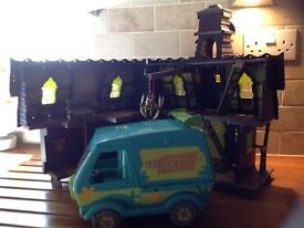 Scooby Doo Mystery Mansion and Mystery Machine