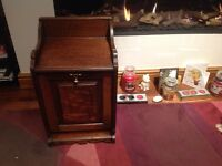 ANTIQUE VINTAGE WOODEN COAL SCUTTLE/TABLE/NIGHT STAND