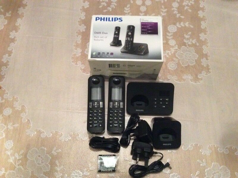Philips D605 Duo cordless home phones with answering machine