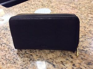 "Fossil ""Sydney"" leather wallet Windsor Region Ontario image 1"