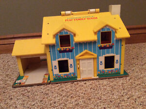 Vintage Fisher Price Family house