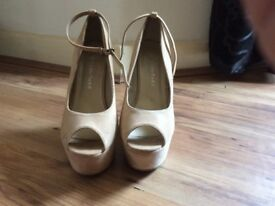 GORGEOUS CREAM WEDGES WITH REMOVABLE ANKLE STRAP
