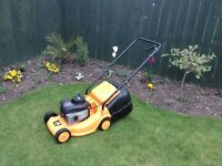 McCulloch petrol lawnmower ( hand propelled)
