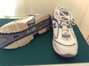 Women's New Balance walking shoes - size 9.5 B London Ontario image 1